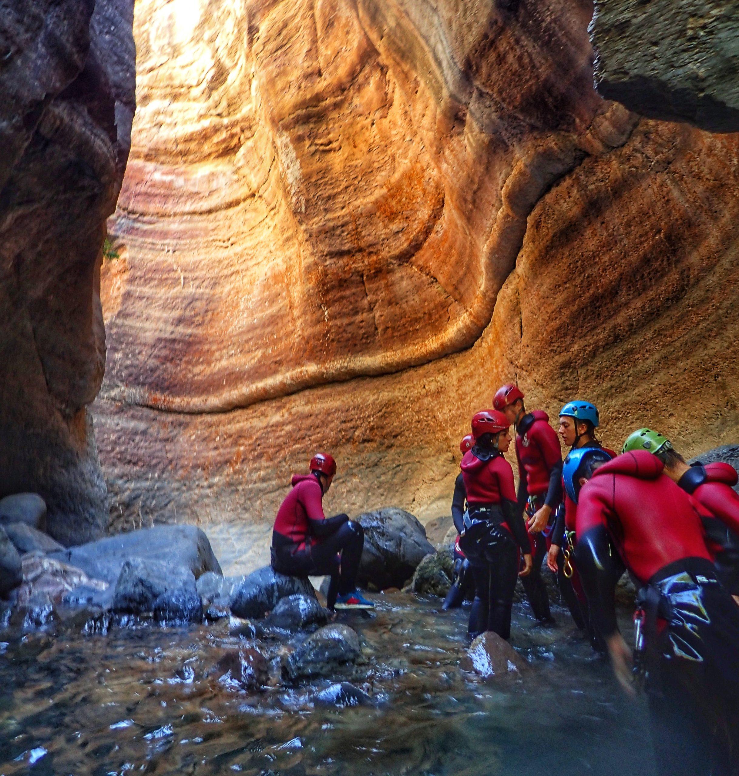 canyoning-pyrenees-sejour-canyon-sur-mesure-espagne-eauxlivecanyon-sierra-de-guara-mont-perdu-découverte